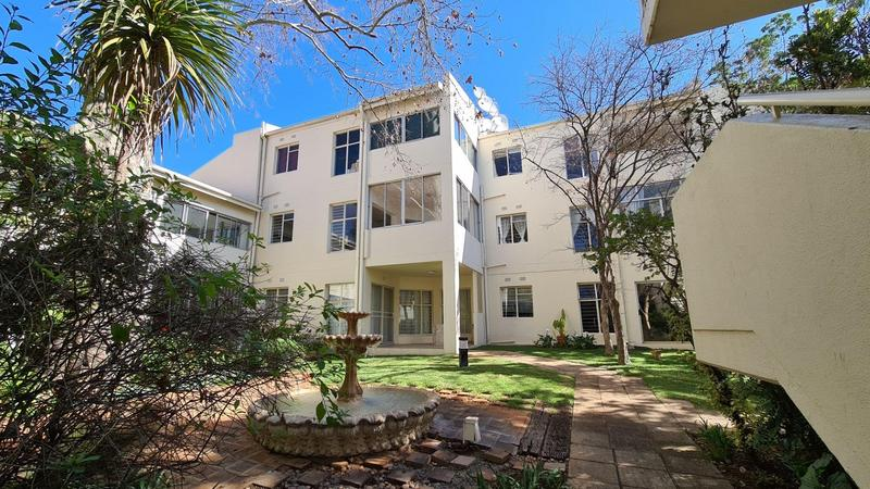 Property For Sale in Illovo, Sandton 15