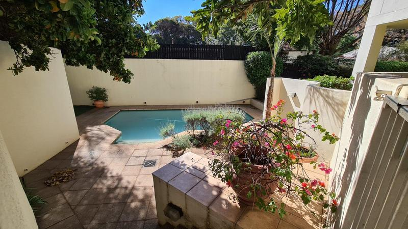 Property For Sale in Illovo, Sandton 16
