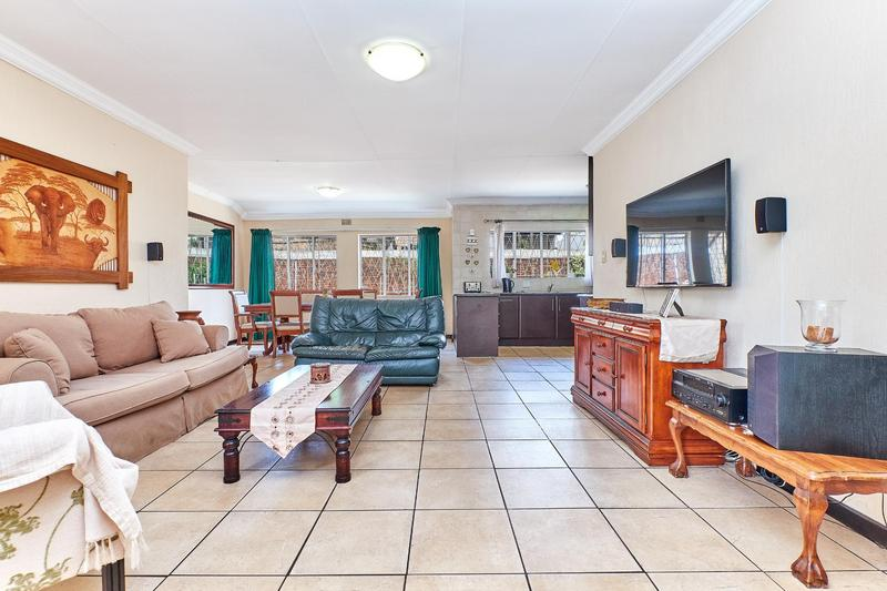 Property For Sale in Weltevreden Park, Roodepoort 6