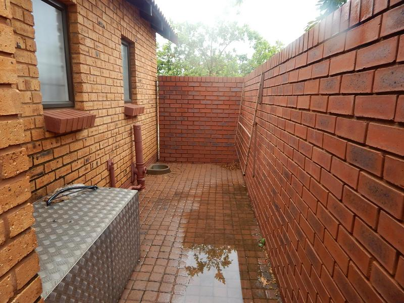 Property For Sale in Willow Park Manor, Pretoria 12