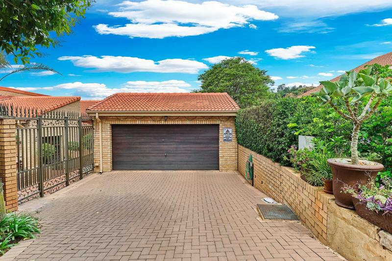 Property For Sale in Helderkruin, Roodepoort 24