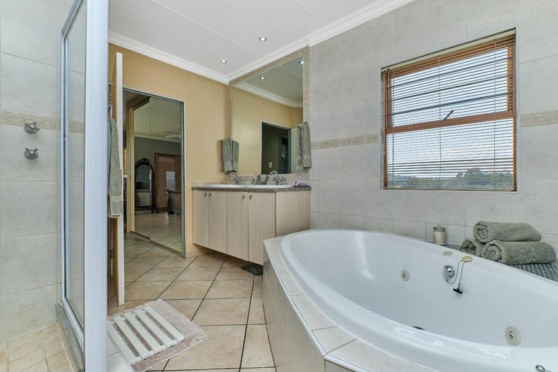 Property For Sale in Helderkruin, Roodepoort 20