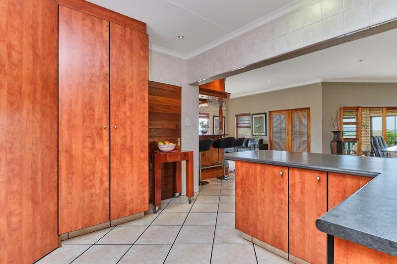 Property For Sale in Helderkruin, Roodepoort 10
