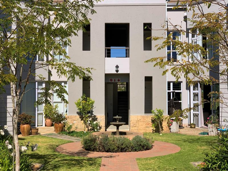 Property For Sale in Eagle Canyon Golf Estate, Roodepoort 15