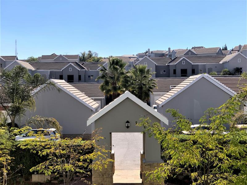 Property For Sale in Eagle Canyon Golf Estate, Roodepoort 14
