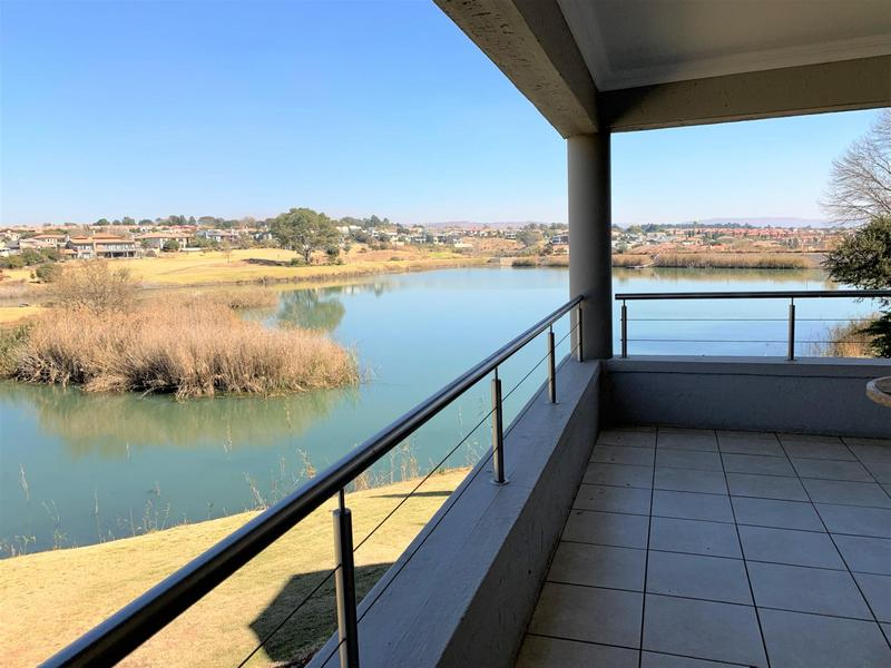 Property For Sale in Eagle Canyon Golf Estate, Roodepoort 12